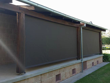 STRAIGHT DROP AWNINGS | Wagga Blinds, Roller Shutters ...